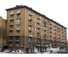 Продаётся 2-х комнатная(сталинка)в центре Минска