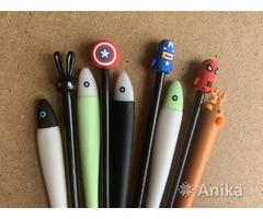 Красивые чёрные гелевые ручки