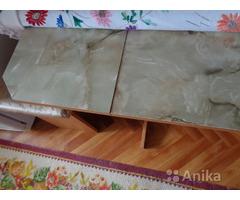 Гарнитур кухонный (стол + табуретки)