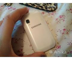 Телефон мобильный Samsung Champ