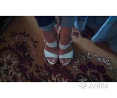Шлепки женские на высоком каблуке