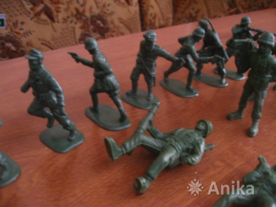 Солдатики пластмассовые - 1
