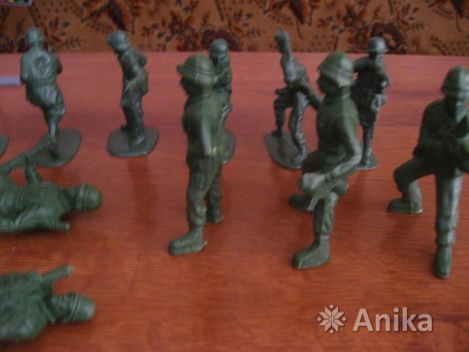 Солдатики пластмассовые - 2