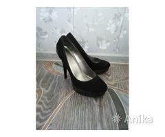 Туфли женские на каблуке 38-39