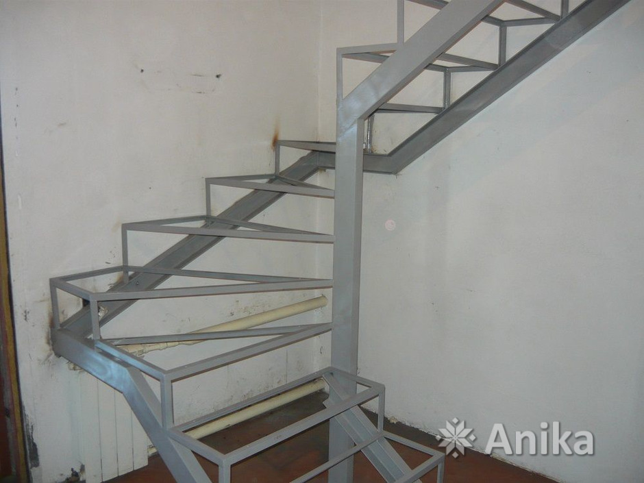 Металлическая лестница - 4