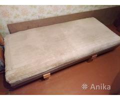 Матрас - кровать на ножках, б/у из Германии