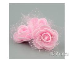 Розы с фатином на проволоке
